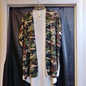 Cacia shawl vests size s